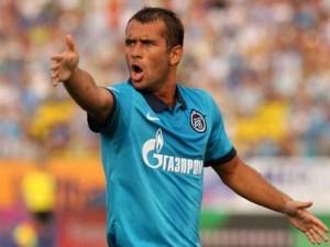 В матче против Сатурна Кержаков забивает три гола.