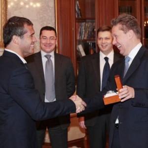 Кержаков получил подарки от генерального спонсора клуба ОАО «Газпром»