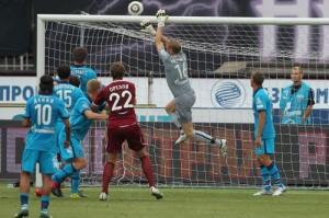 Малафеев спасает ворота. Матч против Рубина.